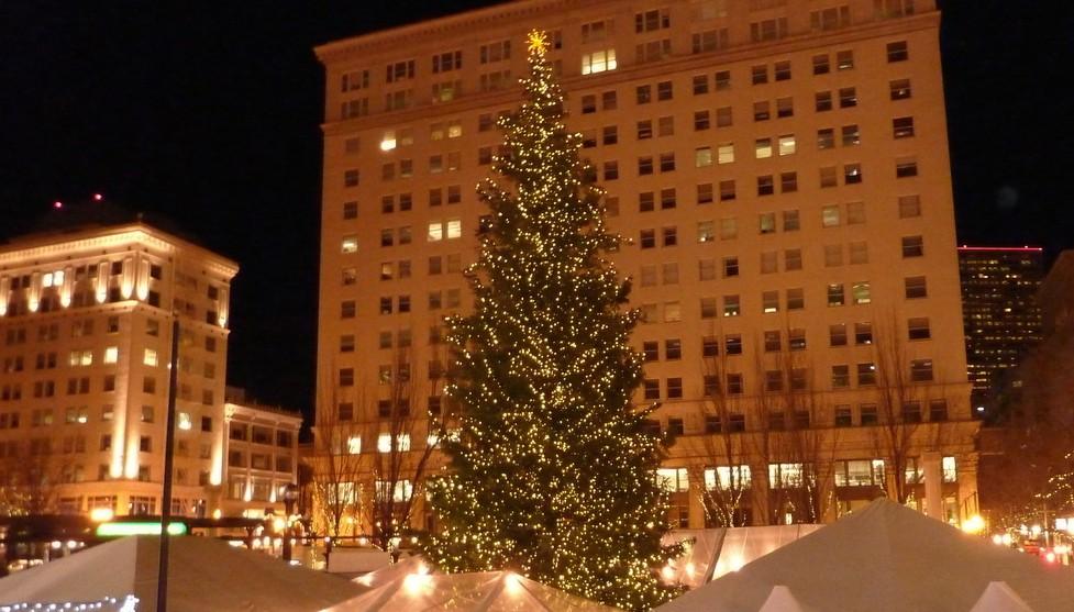 golocalpdx portland s christmas tree arrives on thursday